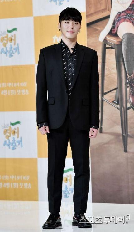 """'프로포폴 투약 혐의' 가수 휘성 징역 3년 구형…""""공소 사실 인정"""""""