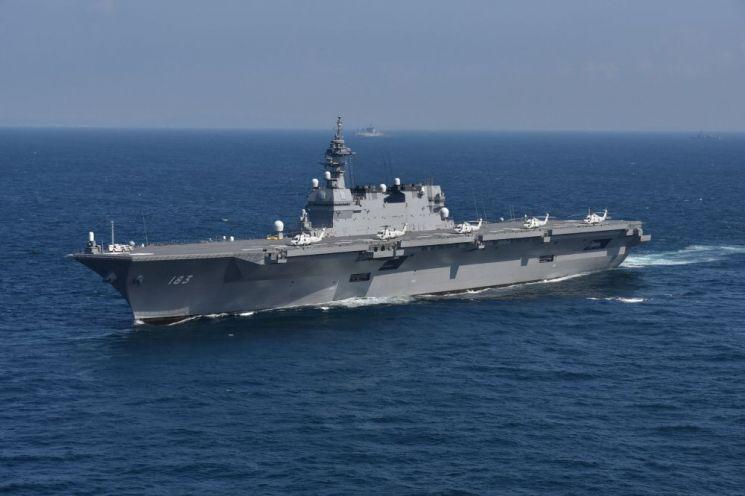 이즈모함은 기준 배수량이 19950톤에 달하며 일본 해상자위대가 보유한 군함 가운데 가장 큰 크기를 자랑한다. 사진=일본 해상자위대