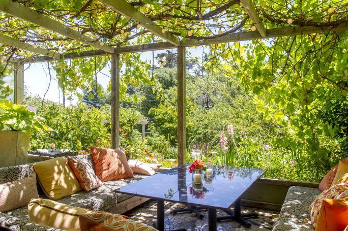 유럽 스타일의 정원이 있는 아파트(미국 캘리포니아주 코르테마데라)