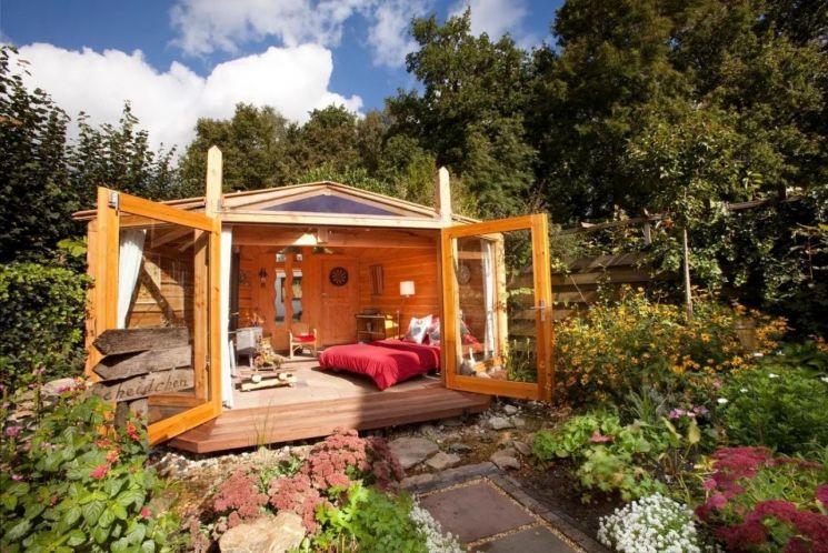 장작 난로가 있는 정원 속 근사한 집(네덜란드 헬데를란트)