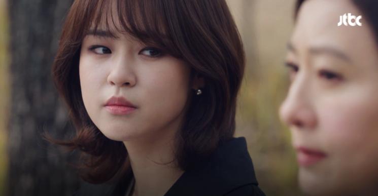 '부부의 세계' 배우 심은우의 단발 레이어드 컷. 사진=jtbc '부부의 세계' 화면