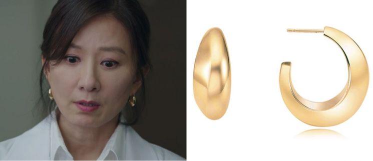 이에르로르 '샴페인문' 귀걸이를 착용한 김희애. 사진=JTBC '부부의 세계' 방송 화면, 이에르로르