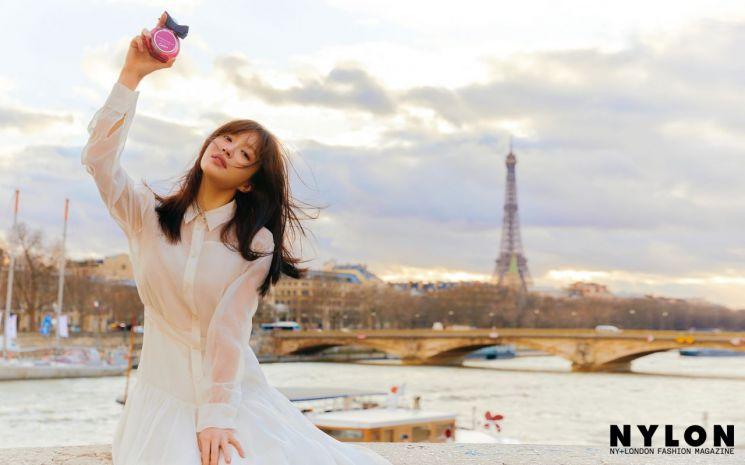 하니의 프랑스 럭셔리 향수는?