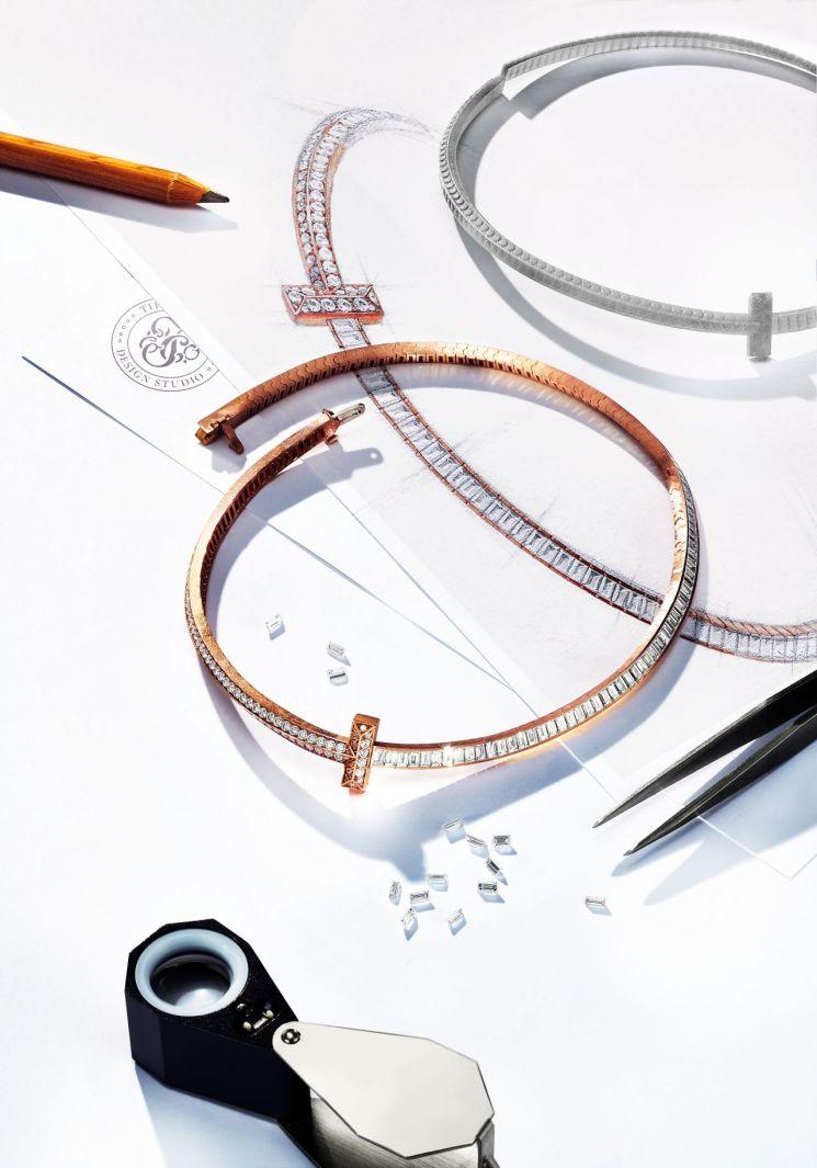 티파니의 'T1 다이아몬드 초커 네크리스'. 사진=티파니