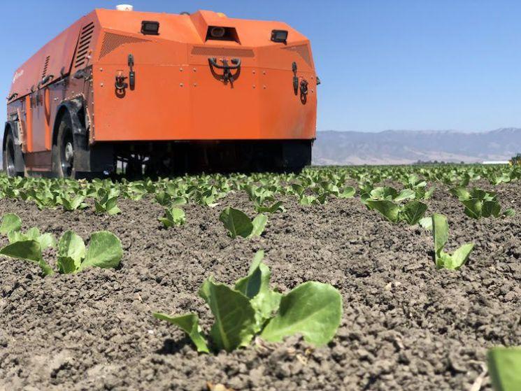 미국 팜와이즈사가 3월 출시한 잡초제거 로봇 '타이탄'의 모습[이미지출처=와이즈팜 홈페이지/https://farmwise.io]
