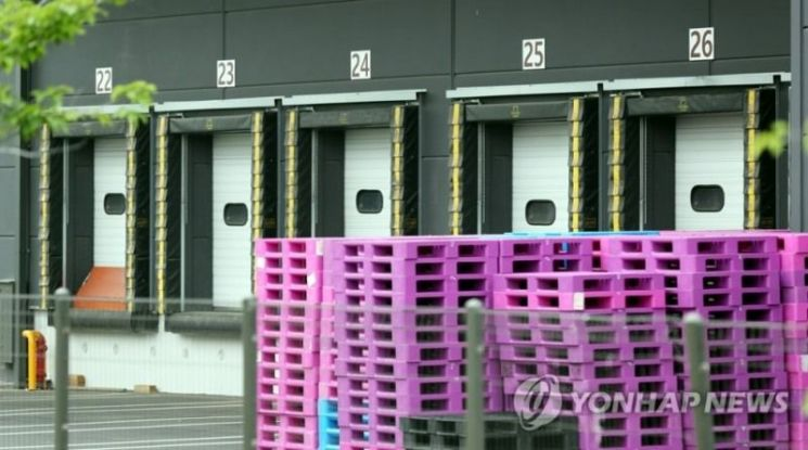 신종 코로나바이러스 감염증 확진자가 근무한 부천의 한 물류센터. 사진=연합뉴스
