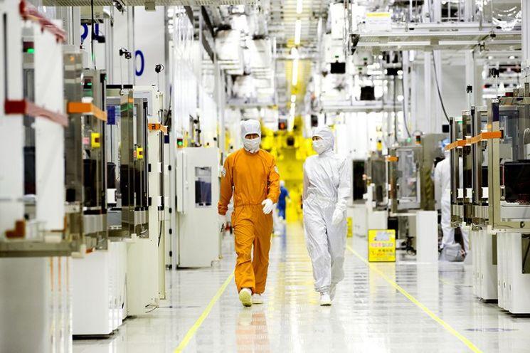 삼성전자 클린룸 반도체 생산현장