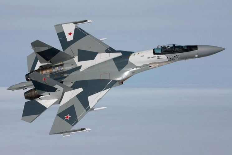 Su-35(Sukhoi)