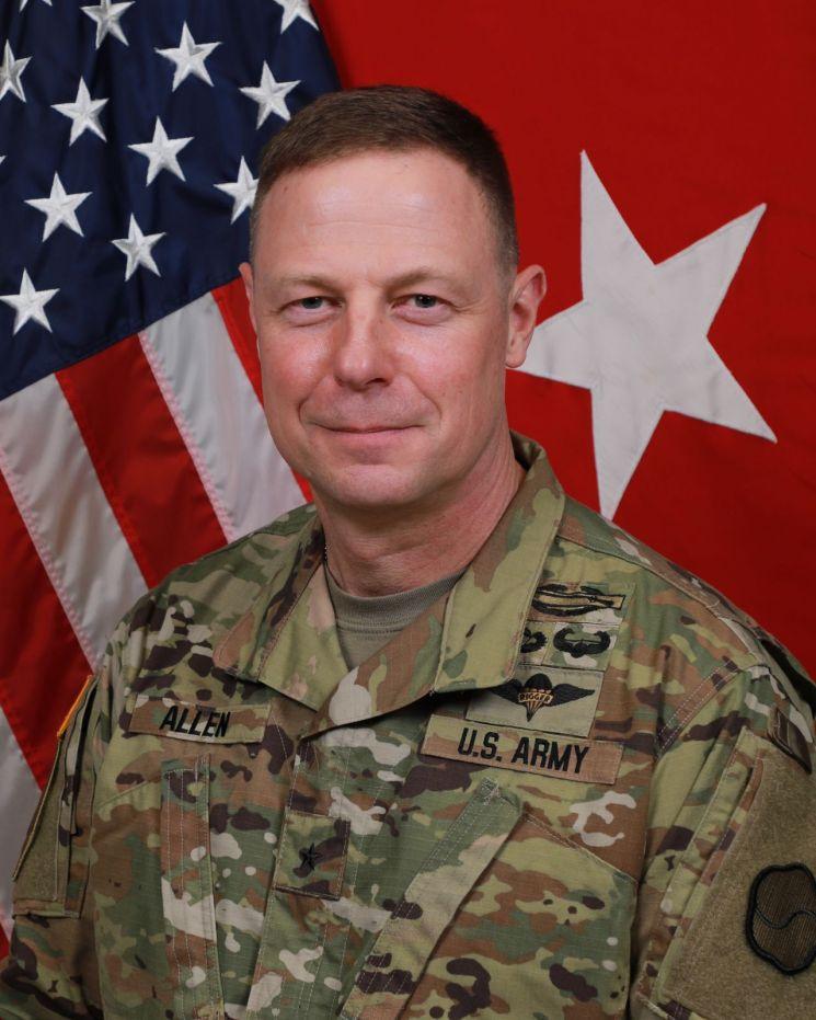 신임 스티븐 앨런(Steven L. Allen) 주한미군 제19지원사령관.