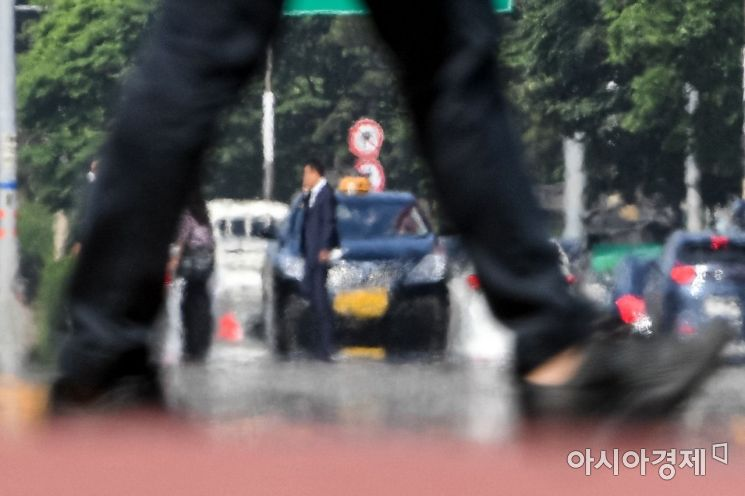 [포토]아지랑이 피어 오르는 도로
