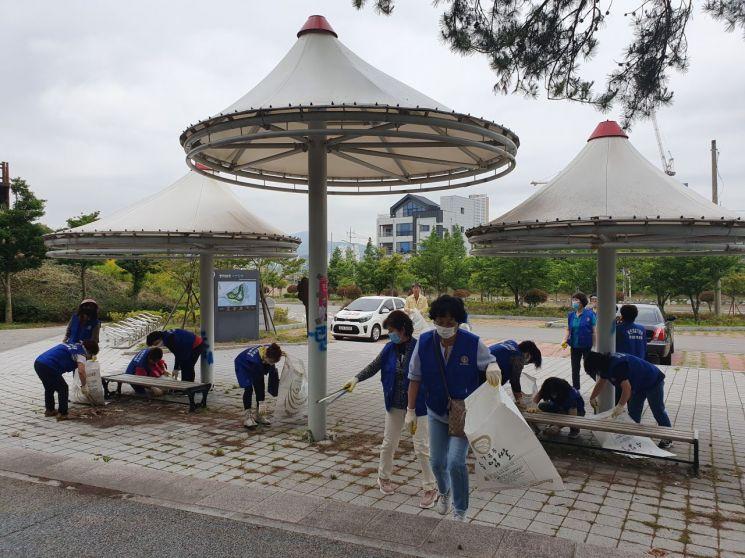 광양시 중마동 바르게살기운동 위원회, 환경정화 활동 펼쳐