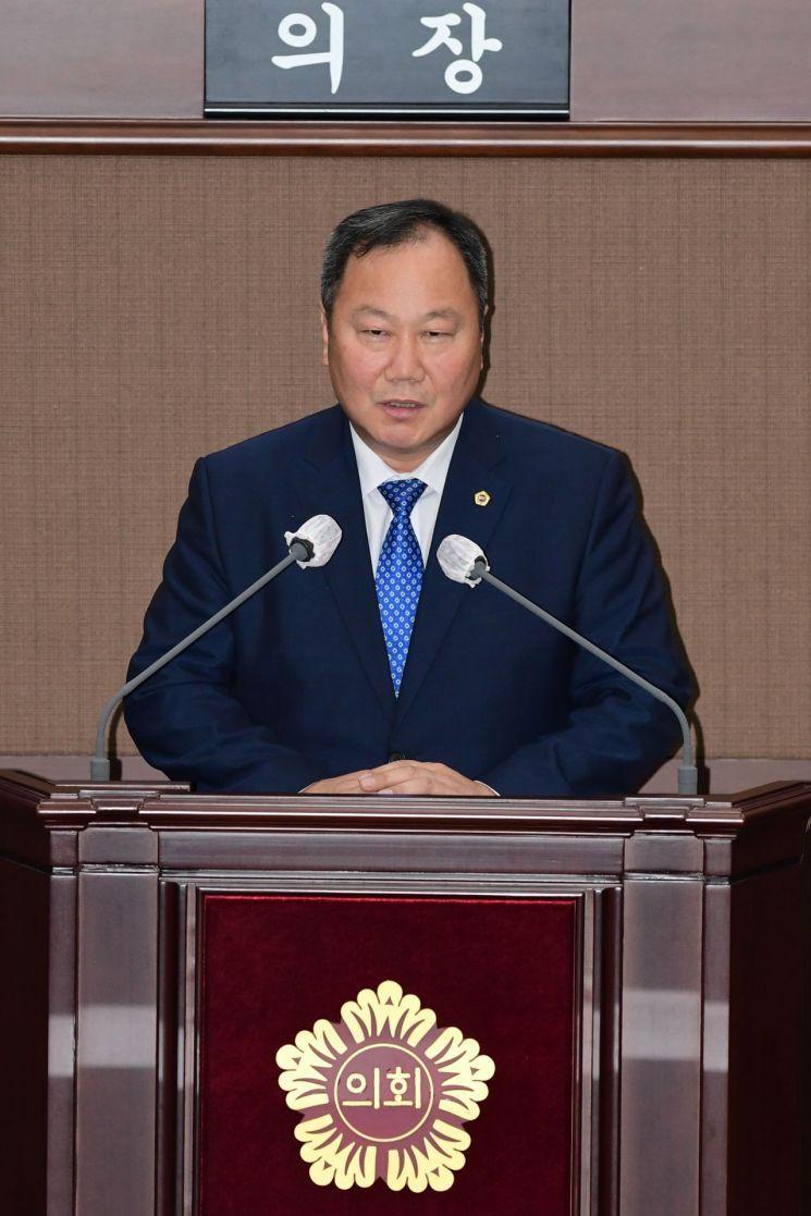 김인호 서울시의회 의장 '통큰 협치' 결단 민주당 살리나?