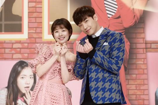 배우 정소민(좌)과 이준(우)/사진=KBS2 드라마 '아버지가 이상해' 제공