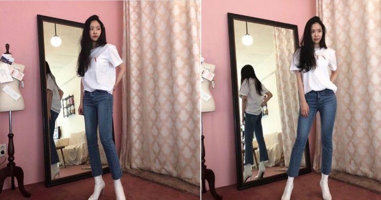 손나은의 발렌티노 티셔츠. 사진=손나은 인스타그램