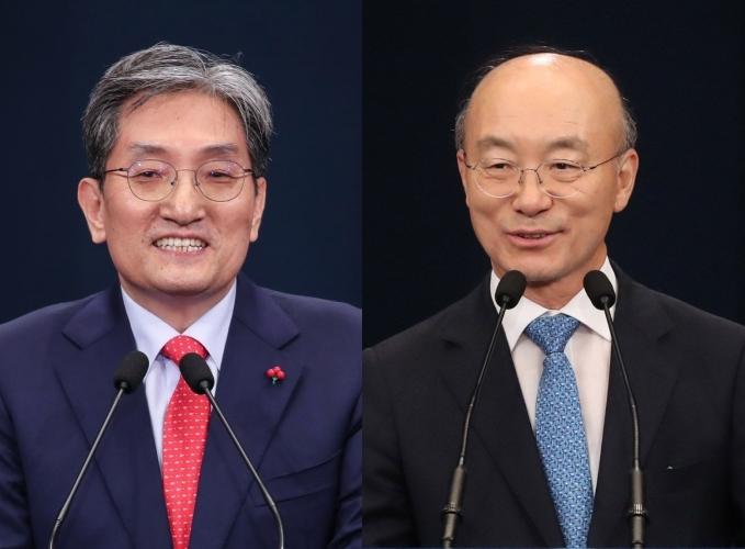 (왼쪽부터)노영민 대통령비서실장, 김조원 청와대 민정수석 /사진=연합뉴스
