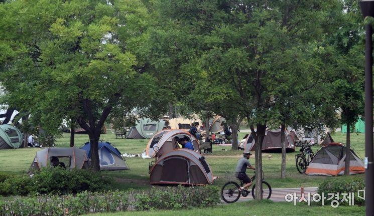 [포토] 한강공원 나들이 즐기는 시민들