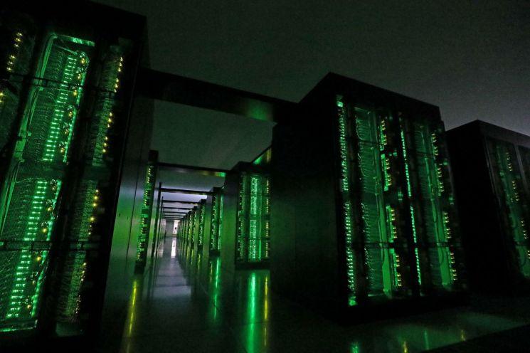 일본 효고현 고베시의 국립 이화학연구소 계산과학연구센터가 보유하고 있는 슈퍼컴퓨터 '후가쿠'. [이미지출처=연합뉴스]