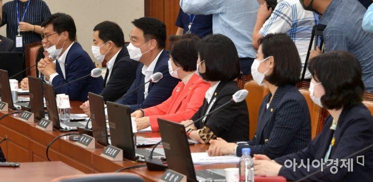 [포토] 국회 복귀한 미래통합당 의원들