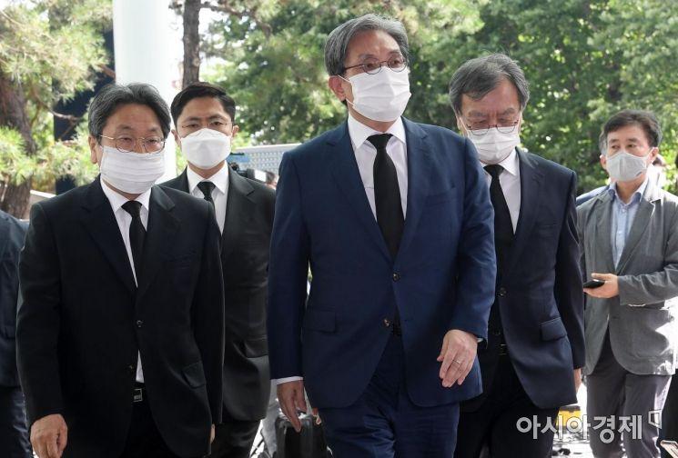 [포토] 박원순 시장 빈소 향하는 노영민-강기정