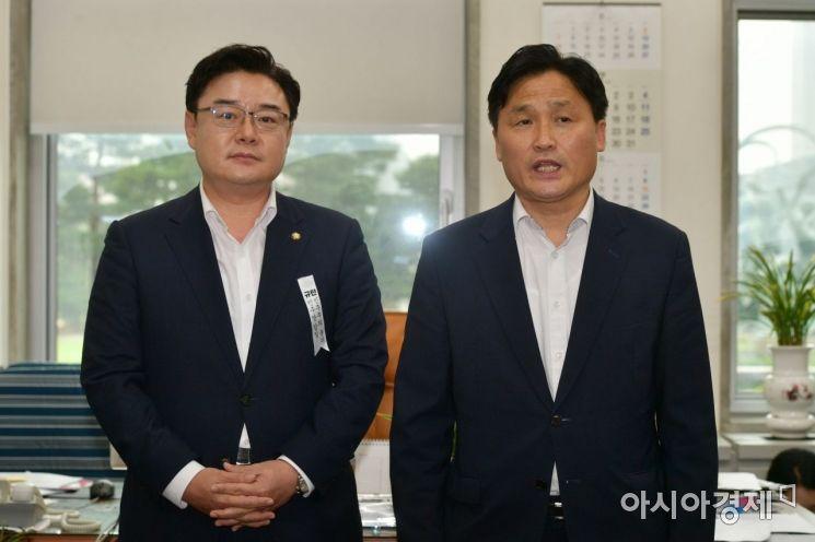 [포토] 발언하는 김영진 수석부대표
