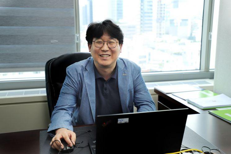 김명중 인정에프앤비 대표