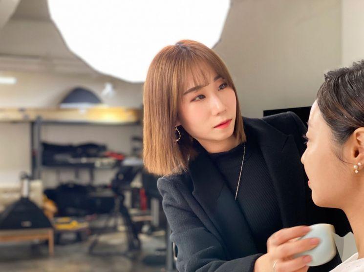 뮤비 촬영 전 뾰루지는 어떻게 해요? 아이돌 피부 메이크업 QnA♡
