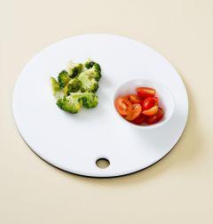 1. 브로콜리는 잘게 잘라 살짝 데치고 방울토마토는 4등분한다.