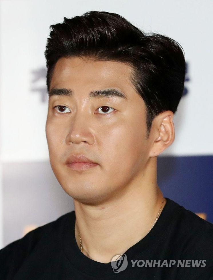 윤계상, 이하늬와 결별 후 영화감독 데뷔