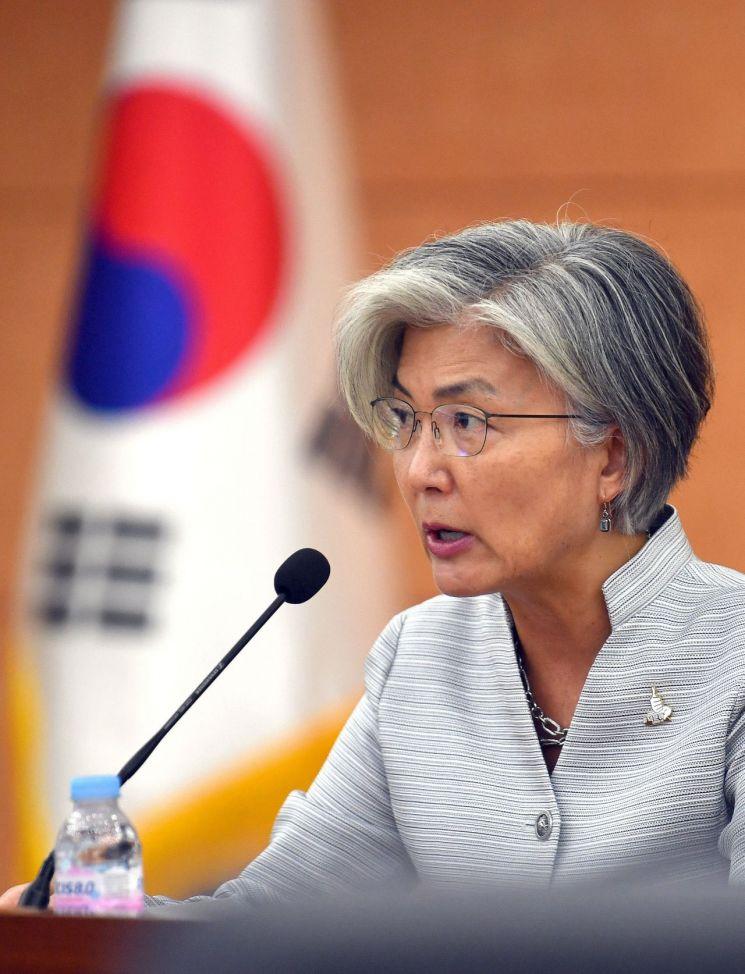 강경화 장관, 18일 한-베트남 외교장관 회담…'신속통로' 개설 협의할 듯