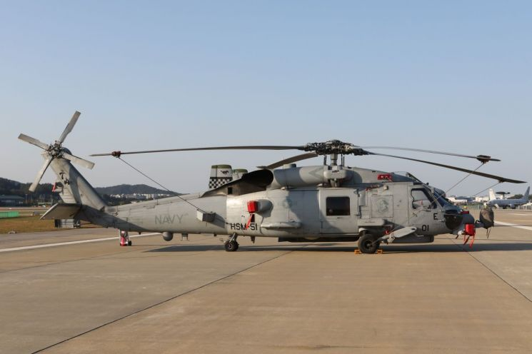 록히드 마틴과 시콜스키사가 제작한 MH-60R 헬기