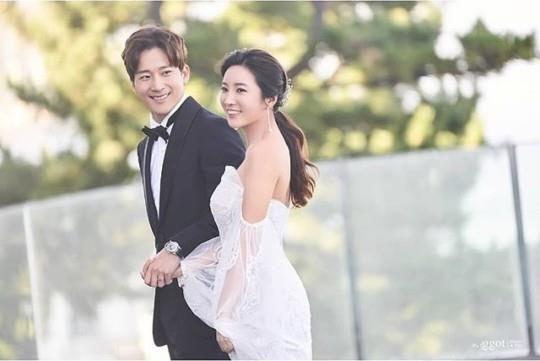 배우 이완과 프로골퍼 이보미/사진=세인트지지오티