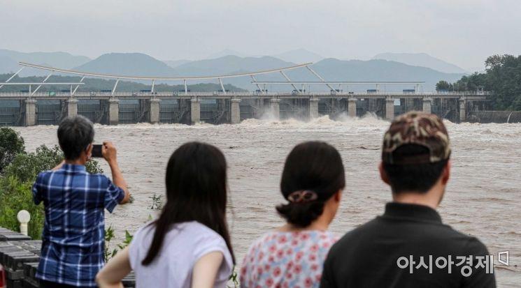 [포토]수문 개방된 팔당댐