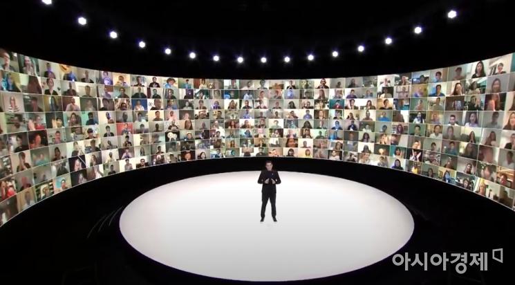 페데리코 카살레뇨(Federico Casalegno) 무선사업부 경험기획팀 전무가 갤럭시 언팩 2020 발표자로 나섰다. (출처=갤럭시 언팩 캡쳐)