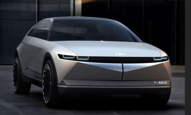 지난해 프랑크푸르트모터쇼에서 현대차가 공개한 전기차 콘셉트 '45'/사진=현대차