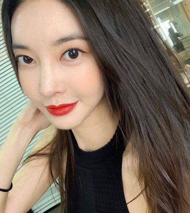 김윤지 인스타그램