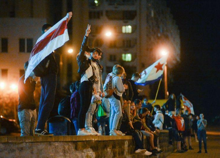 대선 결과에 항의해 거리에 나선 벨라루스 시민들 [이미지출처=EPA연합뉴스]