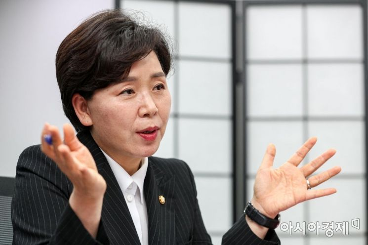 양향자 더불어민주당 의원이 13일 서울 여의도 국회의원회관에서 인터뷰 하고 있다./강진형 기자aymsdream@