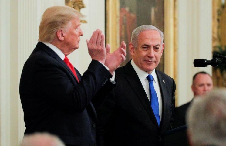 도널드 트럼프(왼쪽) 미국 대통령과 벤냐민 네타냐후 이스라엘 총리 [이미지출처=로이터연합뉴스]