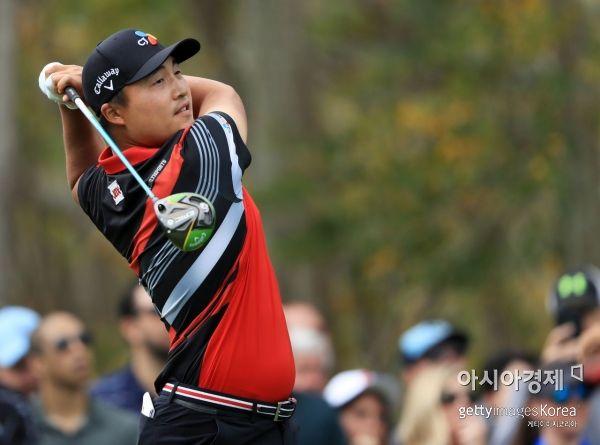 이경훈이 RBC헤리티지 첫날 4언더파 공동 8위에 포진해 PGA투어 첫 우승에 도전하고 있다.