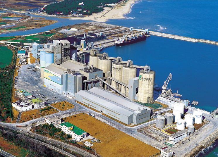 친환경 설비로 교체한 이후의 시멘트 공장의 모습. [사진=아시아경제DB]
