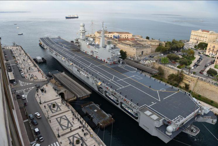 이탈리아 해군이 보유중인 카보우르함