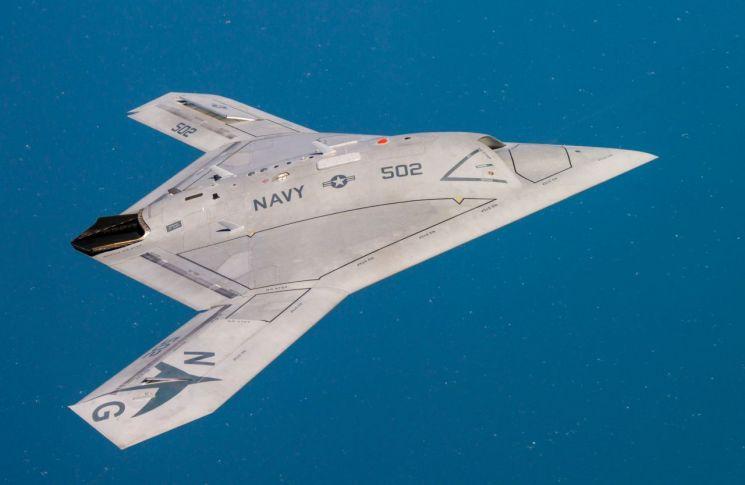 미국 X-47B(출처 위키피디아)