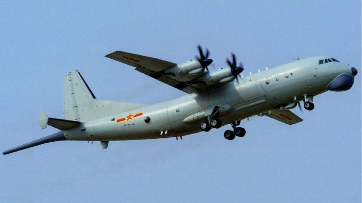 지난 9월 17일 대만의 방공식별구역을 침범한 중국해군의 콩첸-200 반잠순라기 사진=중국 국방부