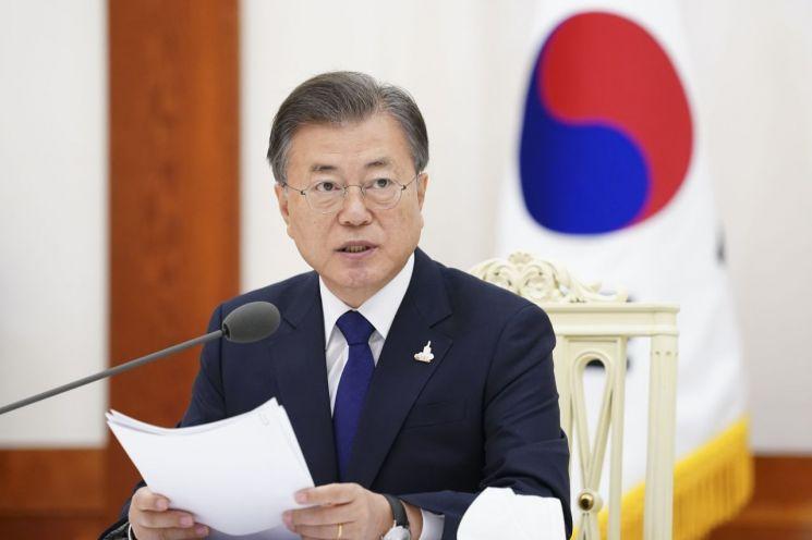 문재인 대통령이 18일 오전 청와대에서 열린 한국 불교지도자 초청 간담회에서 발언하고 있다.  <사진=연합뉴스>