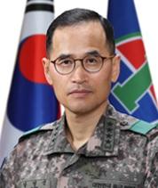 육군총장에 사상 첫 학군출신 남영신…대장 5명 인사(종합)