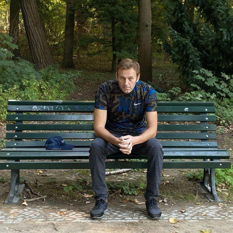 독일 병원에서 퇴원한 러사이 야권운동가 알렉세이 나발니의 최근 근황 모습 [이미지출처=EPA연합뉴스]