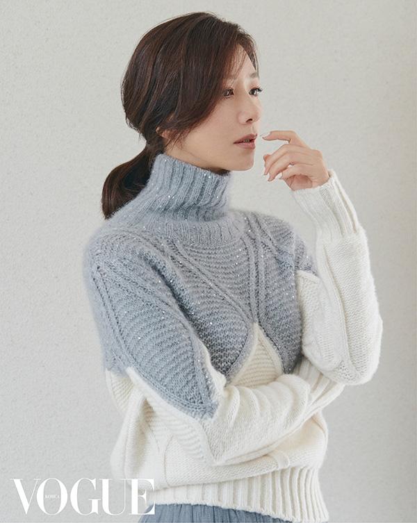 배우 김희애.