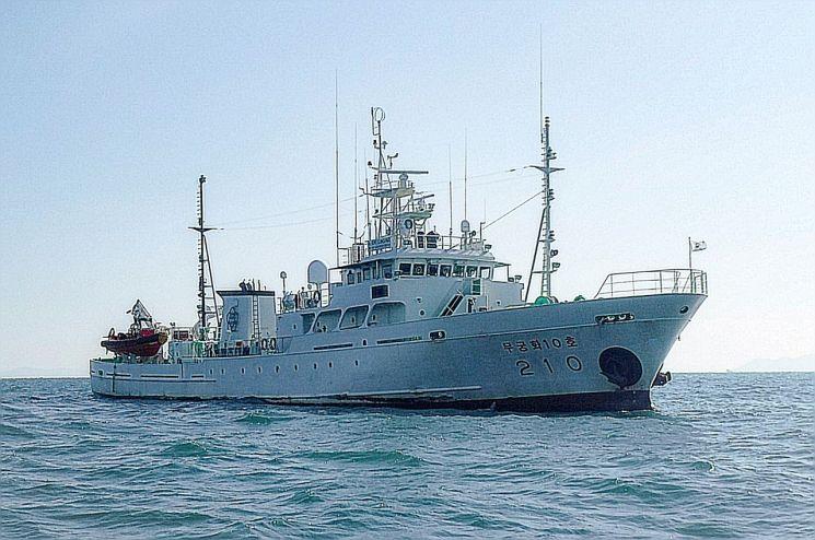 지난 21일 서해 최북단 소연평도 인근 해상에서 이 어업지도선에 타고 있던 공무원이 실종되는 사건이 발생했다. [이미지출처=연합뉴스]