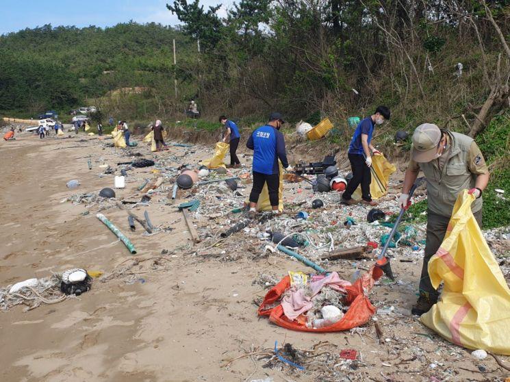 다도해해상국립공원, 지자체와 해양쓰레기 합동정화