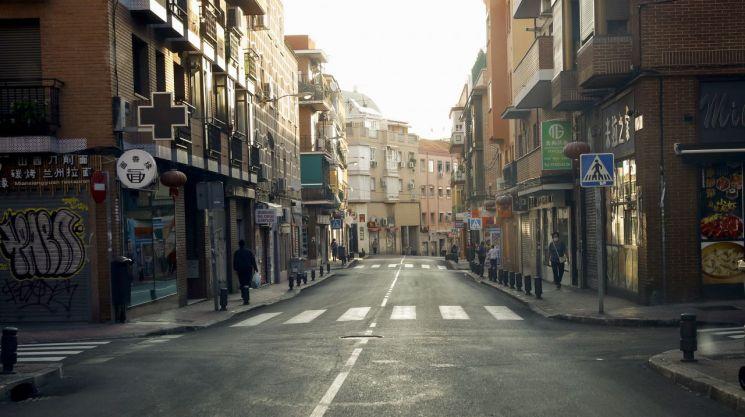 스페인 마드리드 일대에 내려진 봉쇄 조치로 한산해진 거리 모습 [이미지출처=EPA연합뉴스]